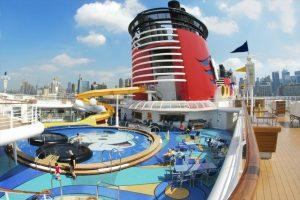 Arrestan a empleado de crucero de Disney por violar repetidamente a niña de 13 años