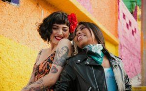 Yalitza se suma a protestas feministas en nuevo video de Mon Laferte