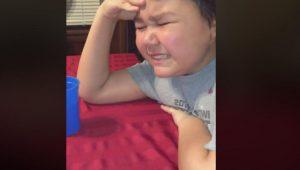 VIDEO: Niño de 9 años llora de alegría tras su última quimioterapia