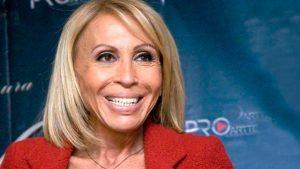 """¡Irreconocible! Laura Bozzo impresiona al lucir nuevo rostro """"rejuveneció"""" 25 años"""