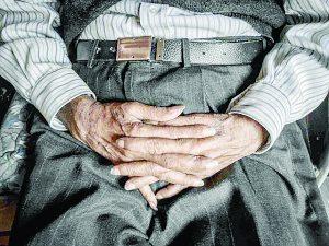 En el abandono, uno de cada 10 abuelitos