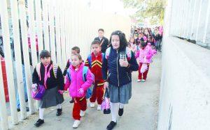 Tendrán niños frío  regreso a la escuela