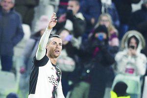 Cristiano Ronaldo marca doblete y la Juventus amplía su ventaja en la cima