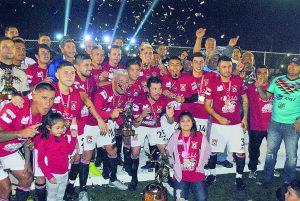 El Mimí Laredo FC levanta el campeonato nacional en la Liga de Bardas profesional