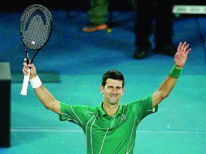 Djokovic barre a un mermado Roger Federer y avanza a la Final