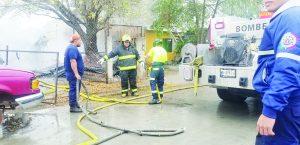 Consume el fuego a taller mecánico