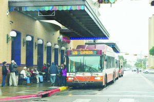 Vende Metro pases para estudiantes