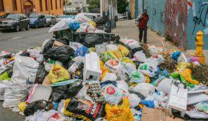 Mexicano fabrica gasolina a partir de basura, costaría 4 pesos el litro (VIDEO)