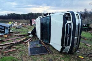 Mueren 8 por tormentas en sur de EU