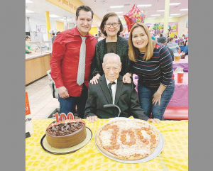 Celebra  100 años  de una vida intensa