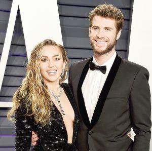 Quedan Cyrus y Hemsworth divorciados
