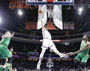 Doblega 76ers a Celtics de visita