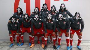 Diablos Rojos del Toluca rindió homenaje póstumo a La Parka