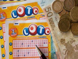 Pareja gana lotería y su hijo vence al cáncer