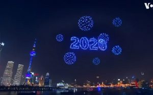 Falso: Espectáculo de drones en China no fue en Año Nuevo (VIDEO)