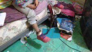 Rescatan a niña de 5 años encadenada por sus padres en San Luis Potosí