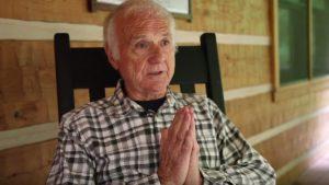 Sacerdote retirado se convierte en actor de 'nopor'