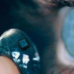 Crean lentes de contacto inteligentes para mejorar visión y usar apps