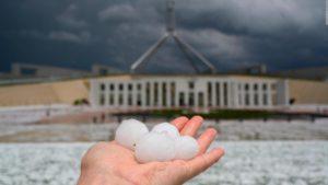 Granizo gigante azota a Australia, tras los incendios devastadores