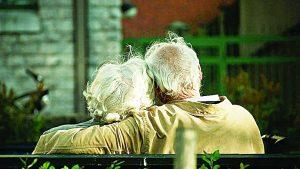 Proponen leyes contra abandono de abuelitos