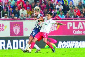 Necaxa expone invicto ante el campeón, Monterrey que busca su primer triunfo
