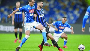 Nápoles sorprende al Inter de Milán en ida de semifinal de Copa