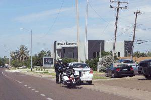 Exhortan a pagar multas sin riesgo de detención