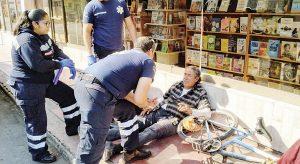 Sufre 'frentazo' ciclista ebrio