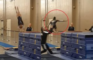 Gimnasta realiza mal salto y entrenador la salva de aparatosa caída (VIDEO)