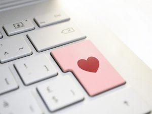 ¿Te puedes enamorar por internet?