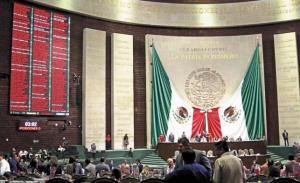 Diputados aumentan a 65 años de prisión a quien cometa feminicidio