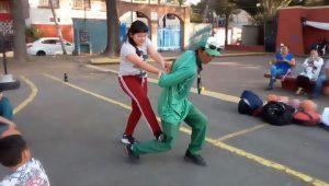 Maestro entrenan a niños para evitar secuestros