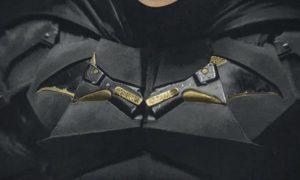 VIDEO: Revelan el traje completo de Robert Pattinson como Batman