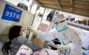 Suman más de 2 mil muertos por coronavirus en China