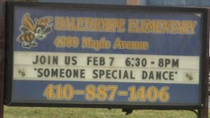 Profesora realizaba bailes eróticos a sus alumnos de primaria