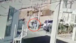 Mujer evitó que le quitaran a su hijo; se enfrentó a los secuestradores (VIDEO)