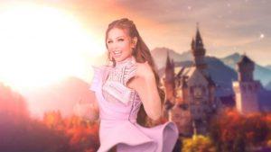Thalía es tachada de ridícula por selfie