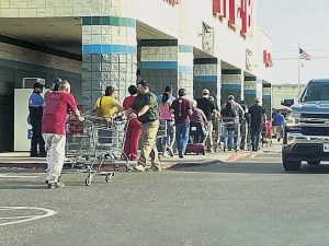 Inicia cuarentena en Laredo; siguen cruces