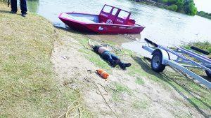 Rescatan cuerpo en descomposición del río Bravo