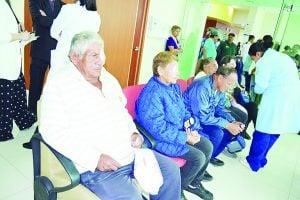 Operarán de cataratas  a 120 adultos mayores