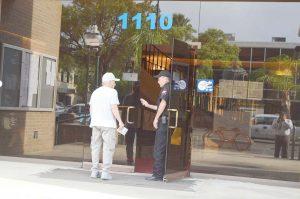 Restringen la entrada a oficinas de gobierno