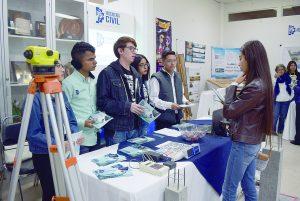Ofrecen alumnos del Tec  Expoferia
