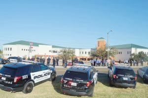 Restringe la Policía contacto con civiles