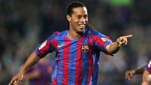 Ronaldinho cumple 40 años y aquí te dejamos sus mejores momentos (VIDEOS)