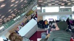 'Canta y no llores': Mexicanos varados en Francia entonan Cielito Lindo (VIDEO)