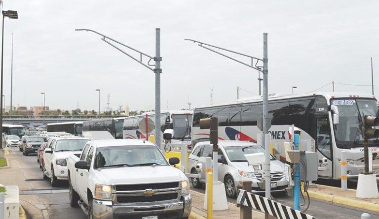 ¿Quiénes sí pueden entrar a EUA tras cierre de la frontera?