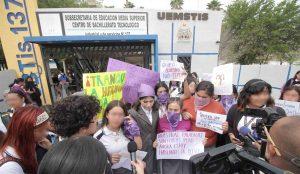 VIDEOS: Se manifiestan alumnas del CBTIS 137 por acoso