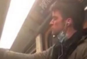 VIDEO VIRAL: Enfermo esparce saliva en tubo del Metro