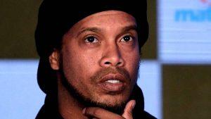 Presos buscan 'fichar' a Ronaldinho para sus equipos