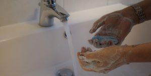 Quién es Ignaz Semmelweis y su papel en los beneficios médicos del lavado de manos
